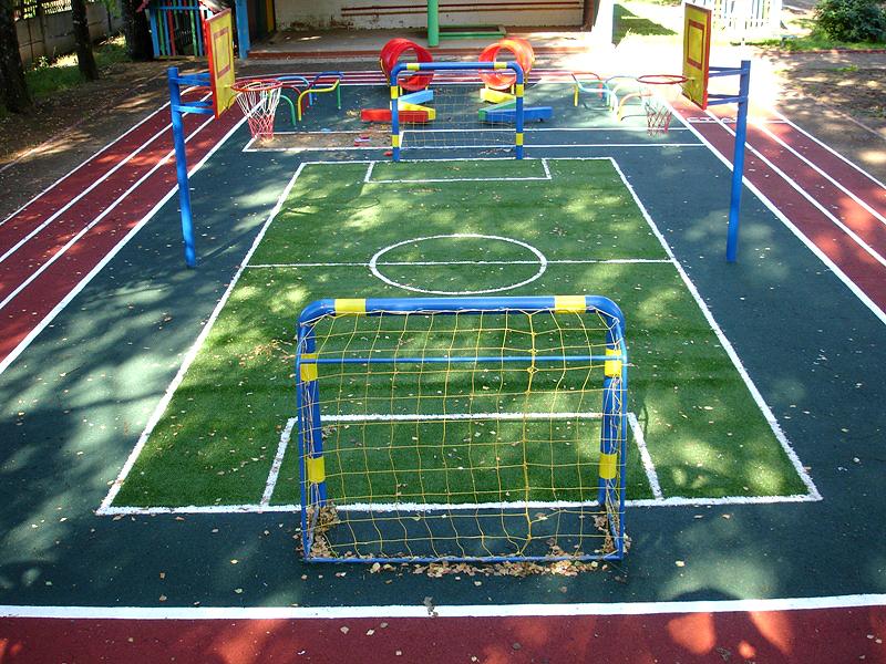 Строительство спортивных площадок для дач